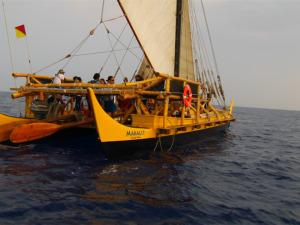 Makaliʻi: Canoe and Crew