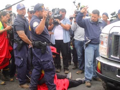 PHOTOS: Kū Kiaʻi Mauna – Demonstrators Arrested, Construction Halted