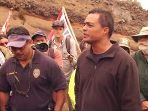 Ka Hukihuki Maoli i Waena o nā Mākaʻi DLNR